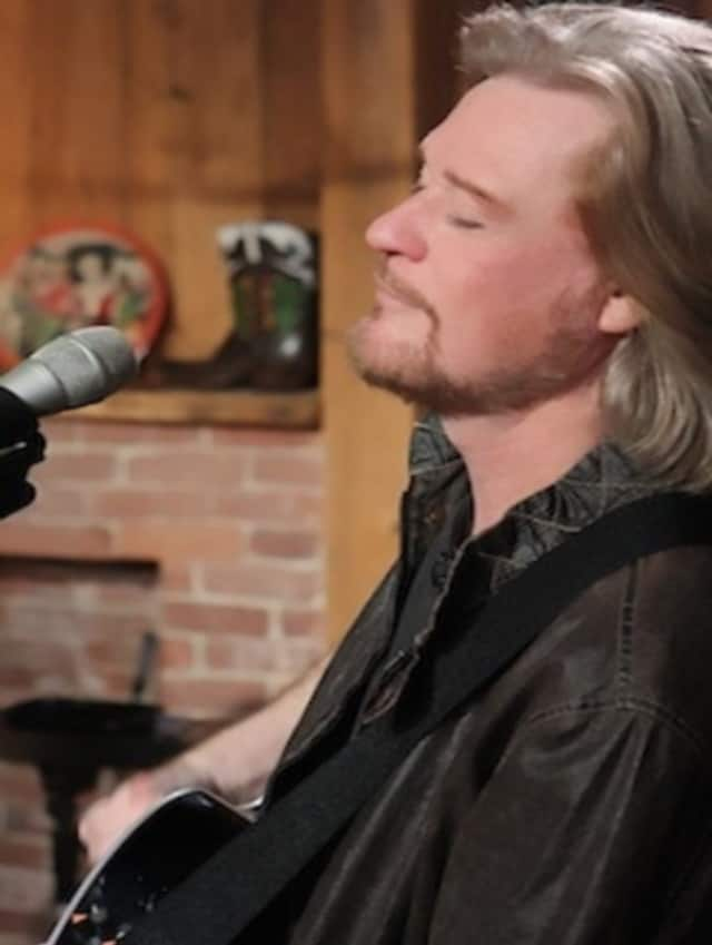 Daryl Hall's 'Live From Daryl's House' premieres on MTV Live.