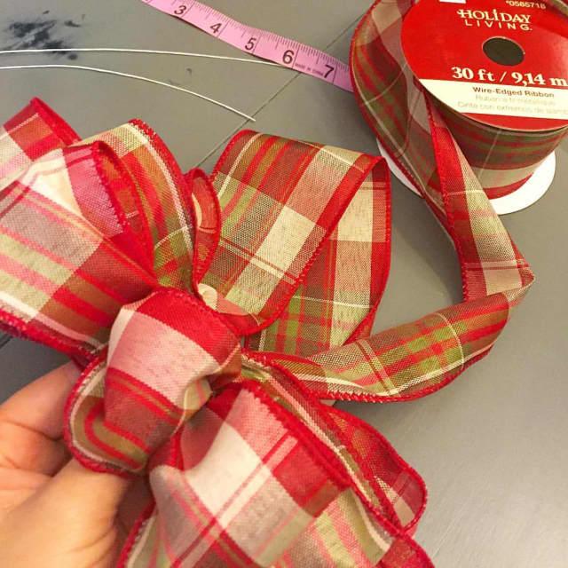 Make a holiday bow at Abmas Farm in Wyckoff.