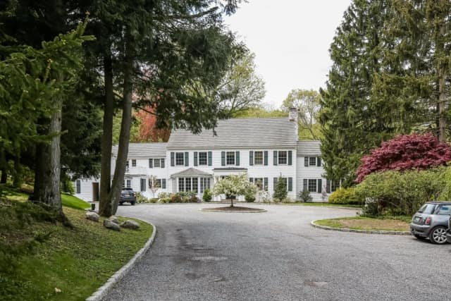 The country estate of Random House Founder Bennett Cerf is for sale in Mount Kisco.