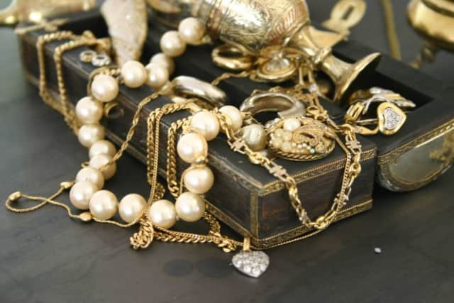 Leah Roland will give a talk at the Leonia Library about jewelry through the ages.
