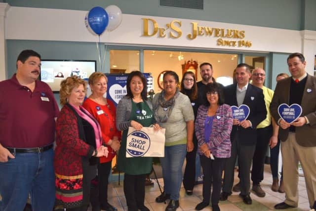 Poughkeepsie Plaza welcomed Dutchess County Regional Chamber of Commerce and Dutchess County Executive Marc Molinaro to help promote Small Business Saturday.