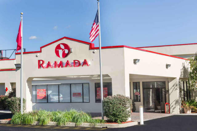 A cab driver was robbed outside of the Ramada Inn in Yonkers on Tuesday morning.