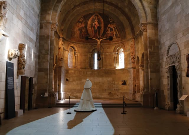 Gallery View, Fuentidueña Chapel.  Image © The Metropolitan Museum of Art.