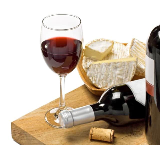 Meet Leonia artists at a wine and cheese party.