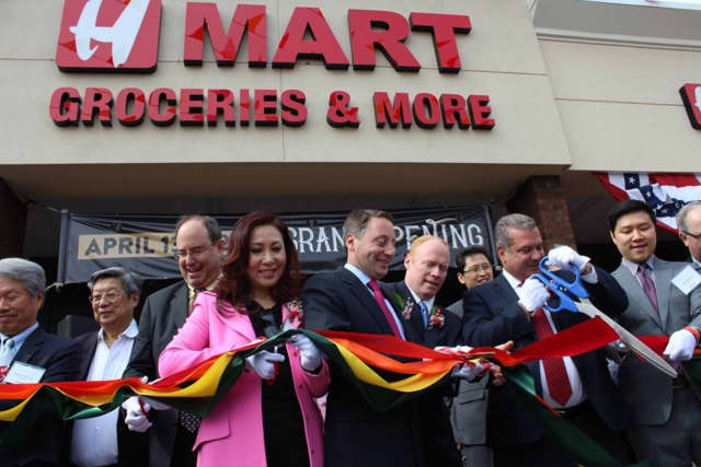 Westchester County Executive Rob Astorino took part in the grand opening of the new Hmart in Yonkers.