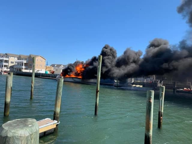 Wildwood boat fire May 1, 2021.