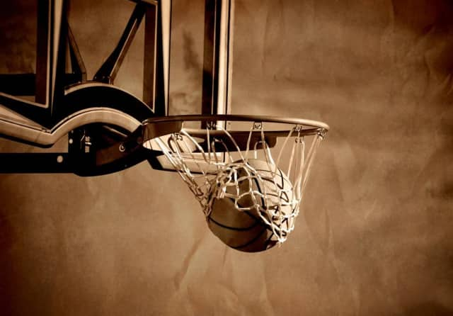 Fort Lee CofC is organizing a 3v3 basketball tournament.
