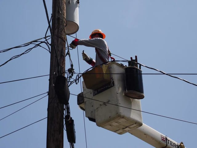 O&R crews are working to restore power to thousands of people.