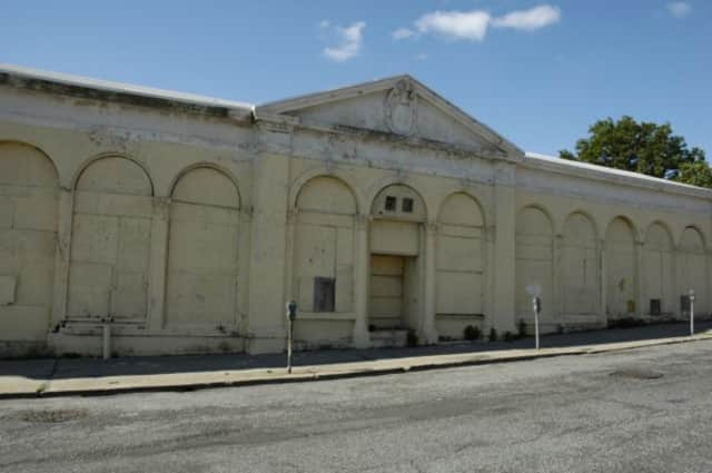 The East Third Street Railroad Station in Mount Vernon was the only building worth saving in the area, according to a recent report.