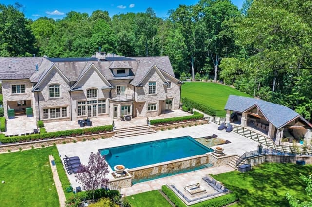 Tim Cahill's former Saddle River mansion.