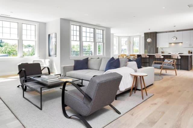 VUE New Canaan offers sophisticated residences with amenities that appeal to the modern homeowner.