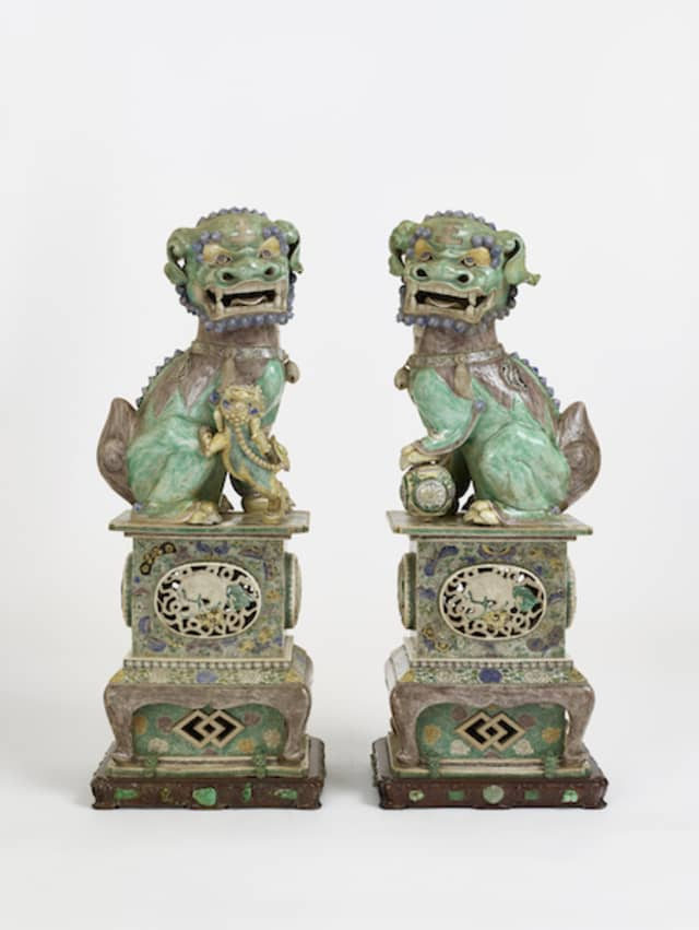 Qing, Kangxi period (1662-1722),A Pair of Fu Lions, Porcelain, in Famille Verte enamels. Image/captions courtesy of Kykuit, National Trust for Historic Preservation, bequest of Nelson A. Rockefeller.