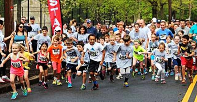 participants in the 2014 Sprint for Our Schools