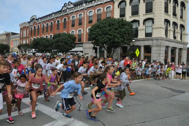 Participants take off for the 2015 Ossining Matters 5K Run and Walk. The event is set for 9 a.m. Sept. 10 this year.