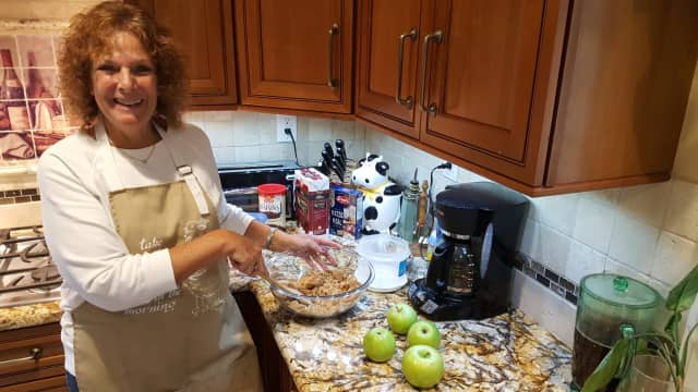 Gilda Linden whips up Rosh Hashanah favorites for a sweet new year in her Fair Lawn kitchen.