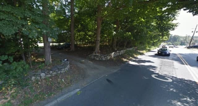 A developer is proposing a 36-unit apartment complex just west of the Roma Building property in Yorktown Heights. The Weyant property is located at 2040 Crompond Road (Route 202).