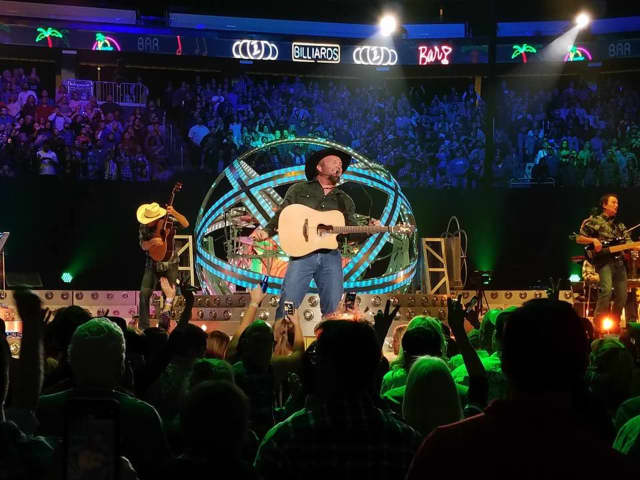 Garth Brooks at the Prudential Center in Newark