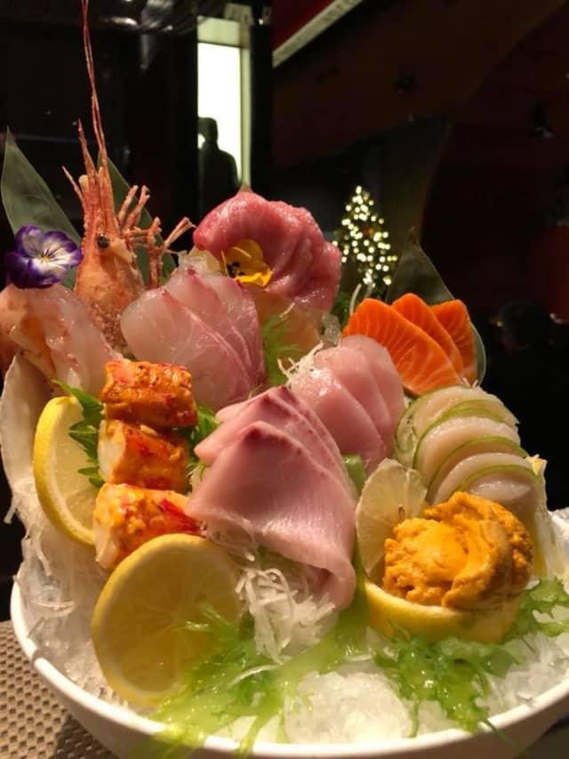 Ginza sushi restaurant in Massapequa has closed its doors.
