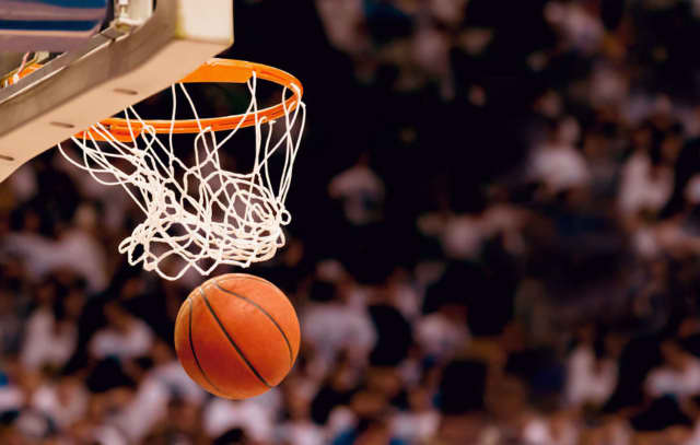 A basketball team made up of former Vassar College athletes needs votes to make it into a tournament.