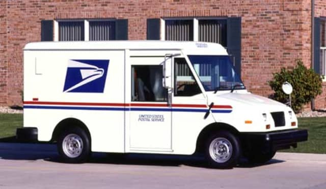 A mail carrier from Bloomfield has pleaded guilty to stealing credit cards from the mail