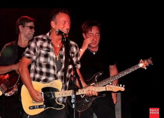 Bruce Springsteen joins Joe Grushecky and the Houserockers for a 2-hour show at the Wonder Bar in Asbury Park.