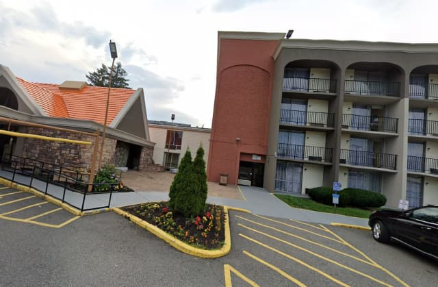 Howard Johnson by Wyndham, Route 3, Clifton