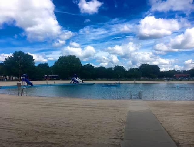 Fair Lawn's Memorial Pool
