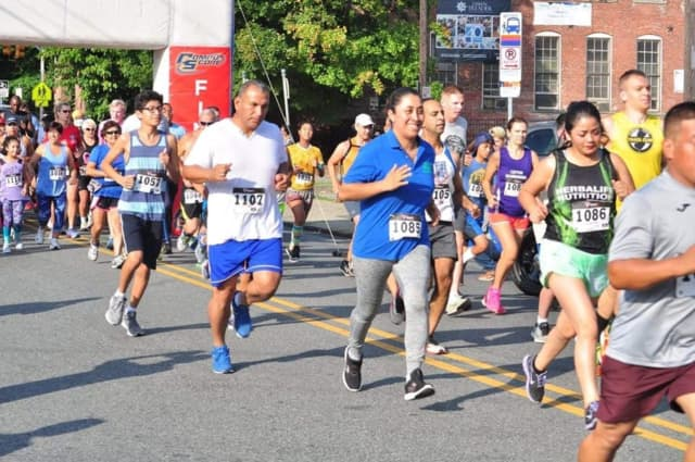 Paterson Great Falls 5K Race -- and they're off!