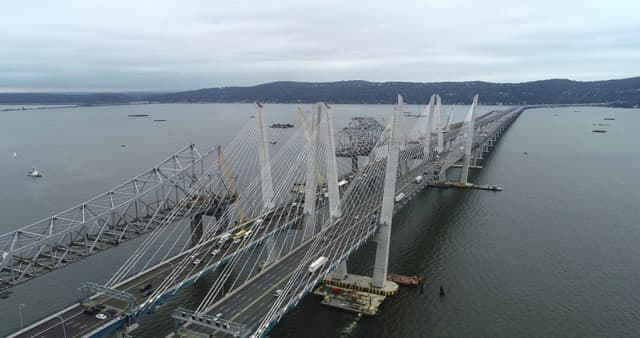 The old (left) and new Tappan Zee bridges.