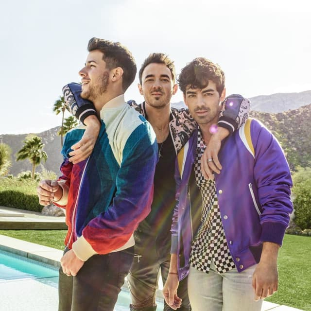 The Jonas Brothers are coming home.