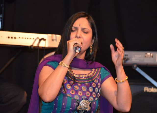 Sunita Kapur launched Musicsunita Academy of Music one year after immigrating to the United States from Mumbai, India.