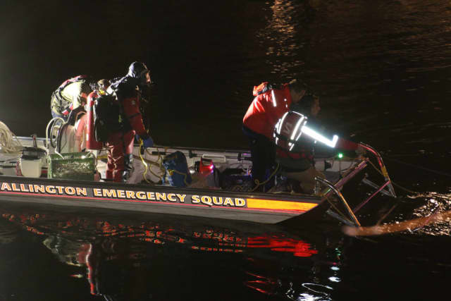Wallington divers called off the Passaic River search until after daybreak.