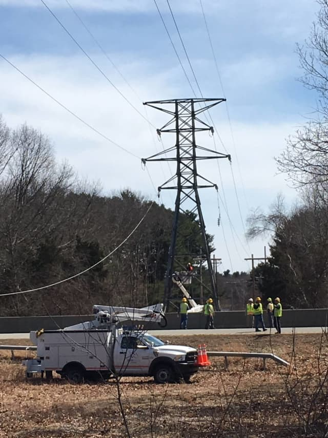 Utility crews will be forced to temporarily shut down a stretch of I-95 in Connecticut.
