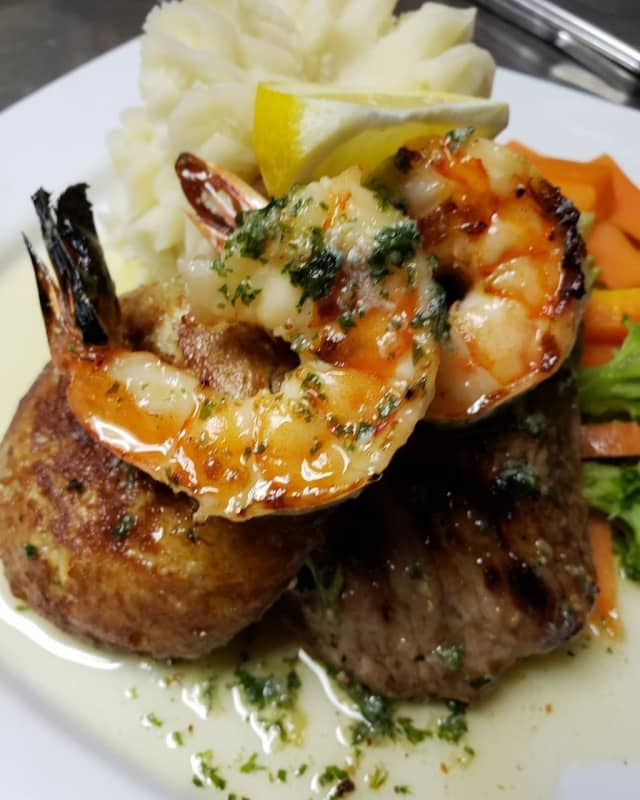 Molly Darcy's in Danbury has brunch and lunch specials and a live band. It tops our list of seven great restaurants in Fairfield County to bring your favorite mom on Mother's Day.