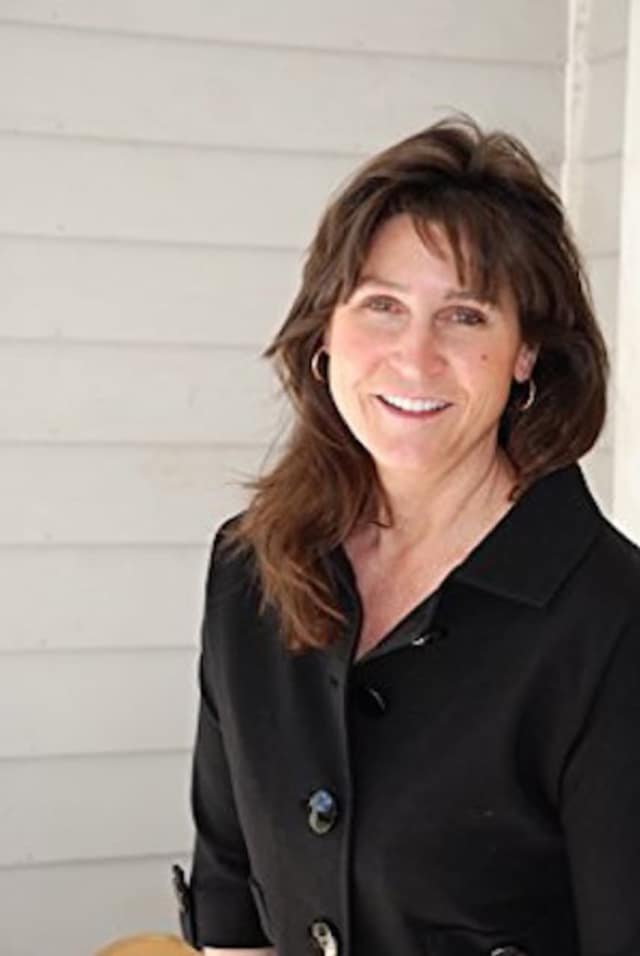 Strategic life coach and best-selling author Tracy Fox, who writes about the secrets to happiness, will be at Barrett Bookstore in Darien on Thursday.