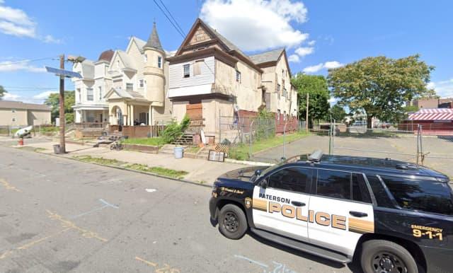 83 Auburn Street (middle), Paterson