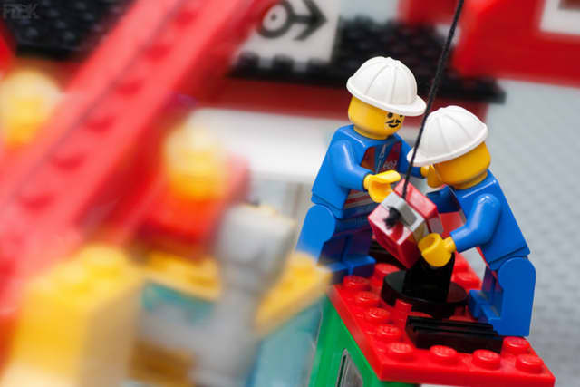 The River Edge Culture Club will hold a toy building workshop.