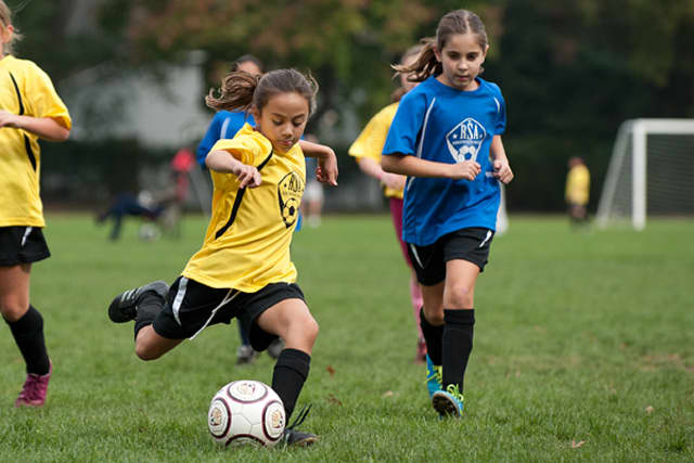 The Ridgewood Soccer Association is looking for volunteer coaches.