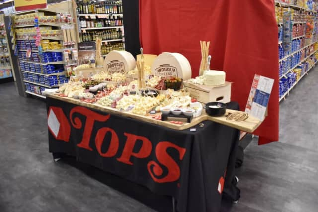 Tops Market is hiring new employees in the Hudson Valley and offering temporary and permanent employees raises.