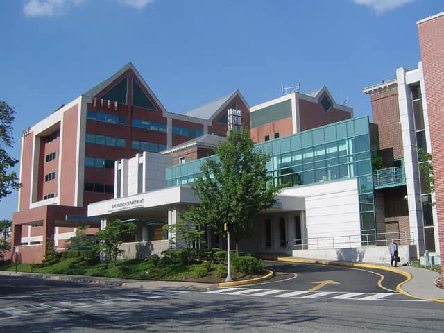 Hackensack University Medical Center's Jan Huston-Pryor died at the same hospital where she was a surgeon, NorthJersey.com reports.