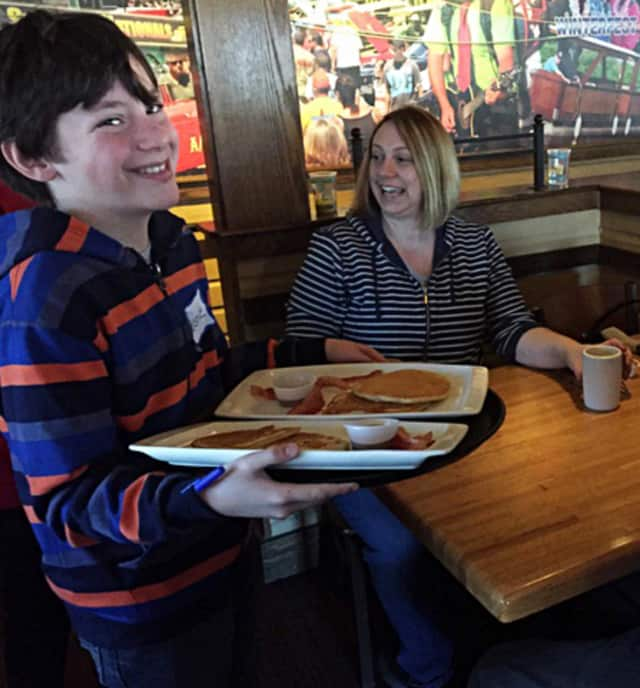 Applebee's is pairing with the Bible Baptist Church for a pancakes fundraiser.