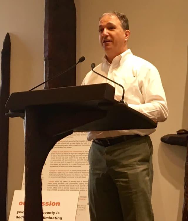 Ridgewood Mayor Paul Aronsohn speaking at the YWCA's Racial Justice Awards