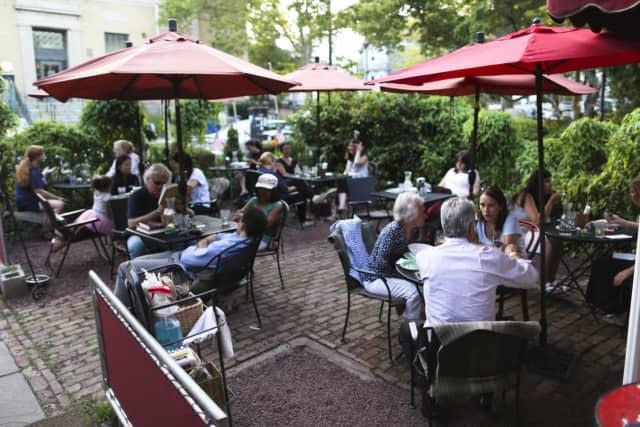 Outdoor seating at Art Cafe of Nyack.