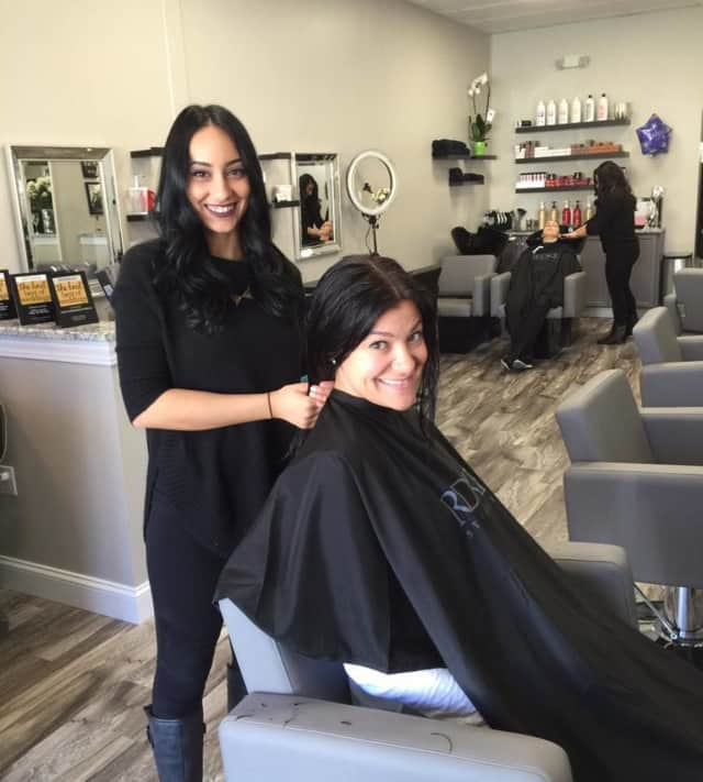 Ashley Lauren Beauty Lounge will hold its grand opening party on Thursday.