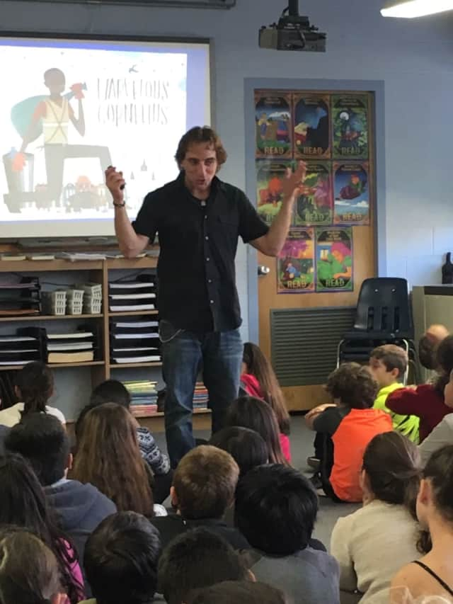 Parkway students get a lesson from author, Phil Bildner.