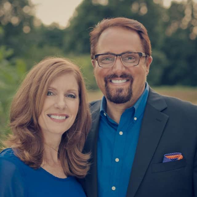 Senior Pastors Buddy and Debbie Cremeans.