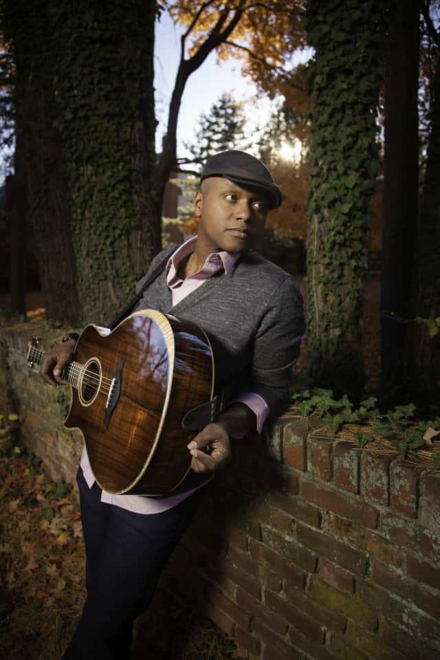 Javier Colon will play the Ridgefield Playhouse on April 28.