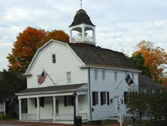 The event is at the Bedford Village 1787 Court House.