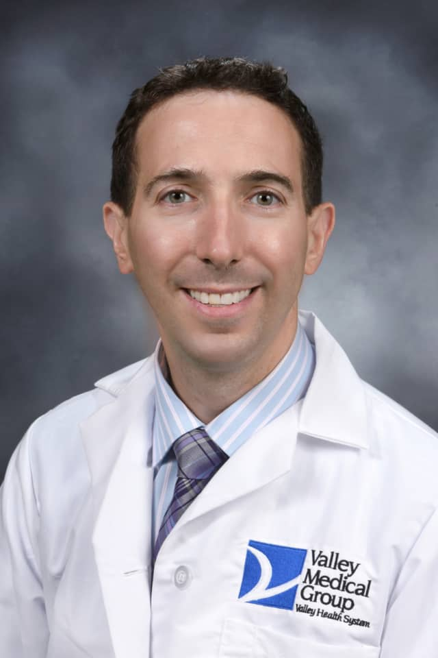Dr. David Benderson has joined Valley Medical Center's eye care team.