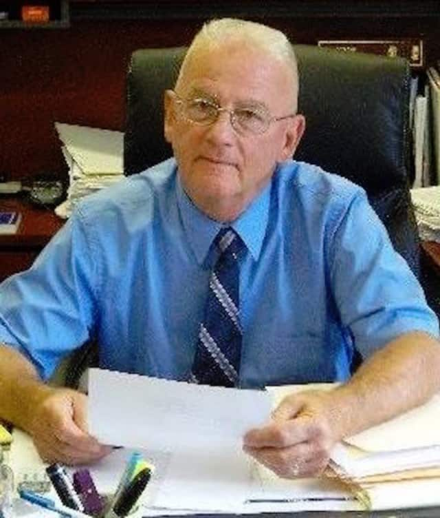 Highlands Supervisor Bob Livsey is accused of having two permanent residences in the state, one of tax exemptions and one to run for election.